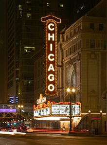 220px-Chicago_Theatre_2